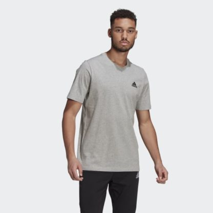ESSENTIALS EMBROIDERED SMALL LOGO TEE